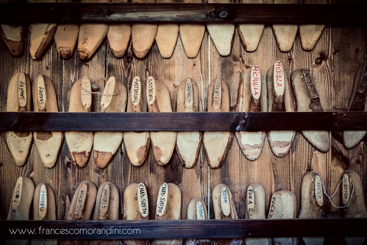 Roberto Ugolini, storia di un artigiano fiorentino. | Forme delle scarpe background